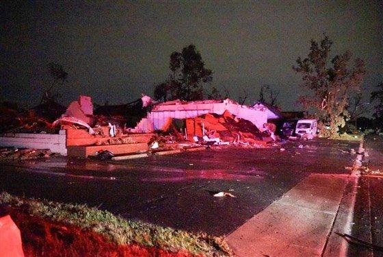 190528-dayton-oh-tornado-damage-1a_69b2b11c84197e9e492661b582c43598.fit-560w.jpg.b05fcf1a23212bf3dbe9dc016c6b9cda.jpg