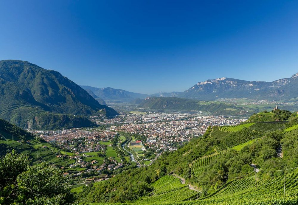 01-panorama-bolzano-bozen.thumb.jpg.d0ca6846e59dae1b36c6341c1a4e8152.jpg