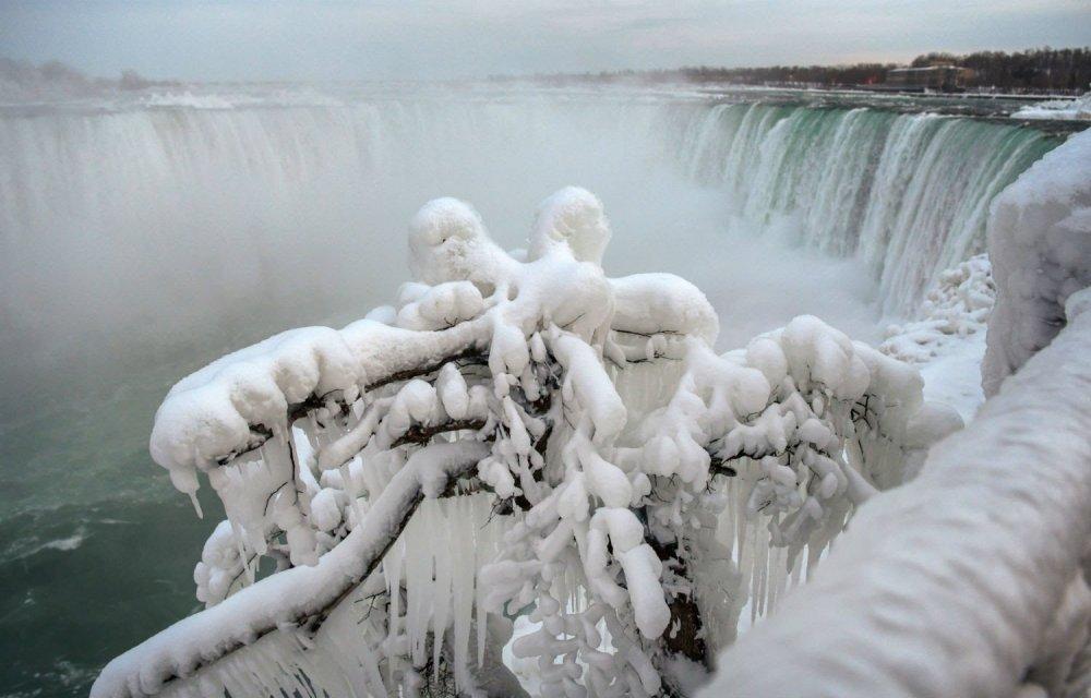 niagara-congelada-new-york-canada-23012019123553771.jpeg