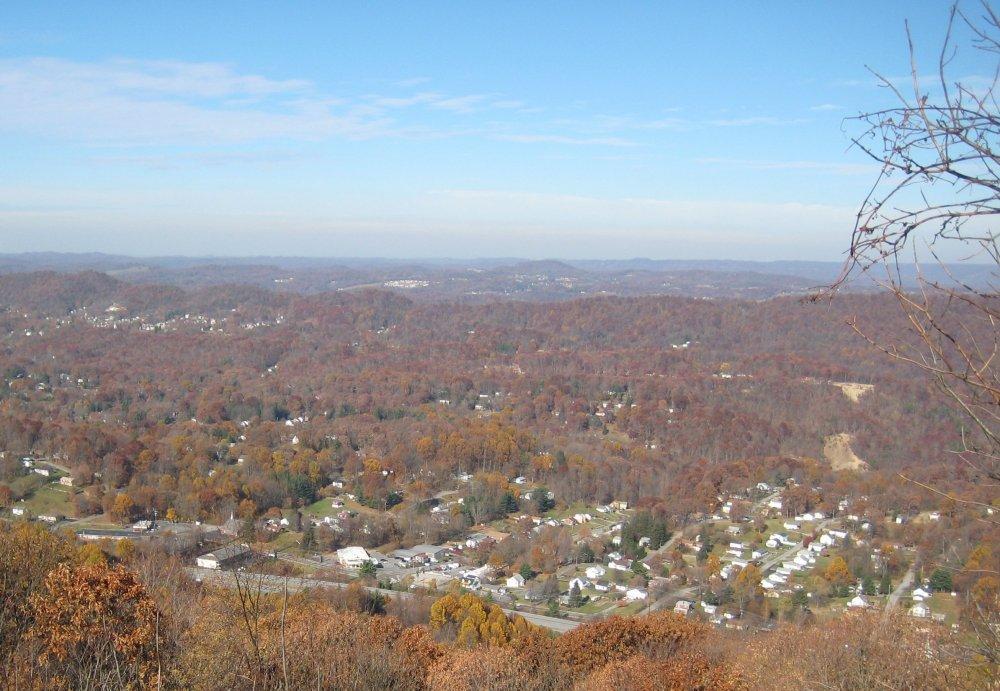 270808076_Bluefield_West_Virginia.thumb.jpg.0bf41e6cf3468ca2fd55cc62b76df719.jpg
