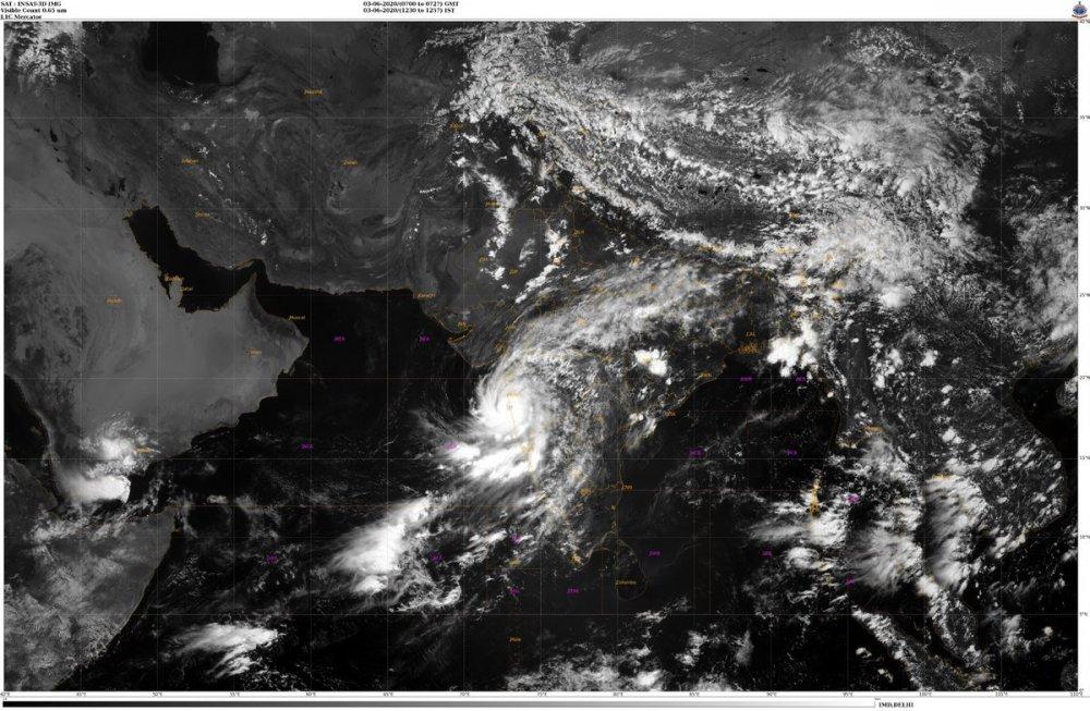 tropical-cyclone-nisarga-landfall-june-3-2020.thumb.jpeg.aaa71cbeaab0547cf53108c1407c342c.jpeg