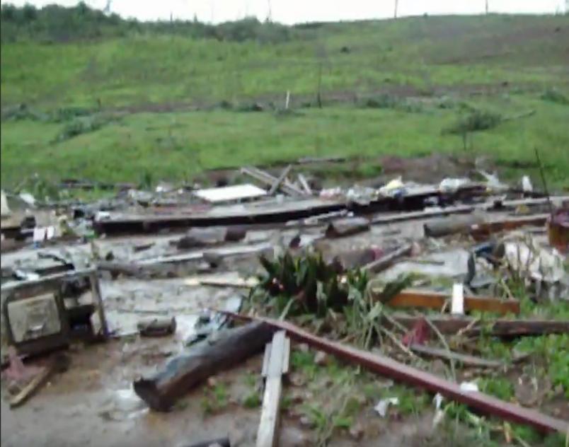 Screenshot_2020-12-07_Vea_las_imagenes_de_lo_que_dejo_el_paso_del_tornado_que_enluto_a_San_Ped...png