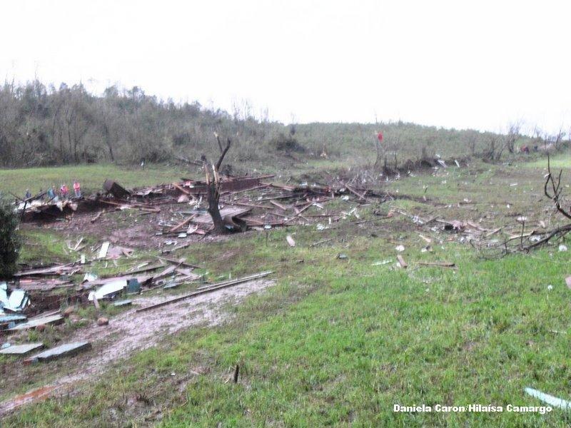 tornadoguaraciaba7.jpg